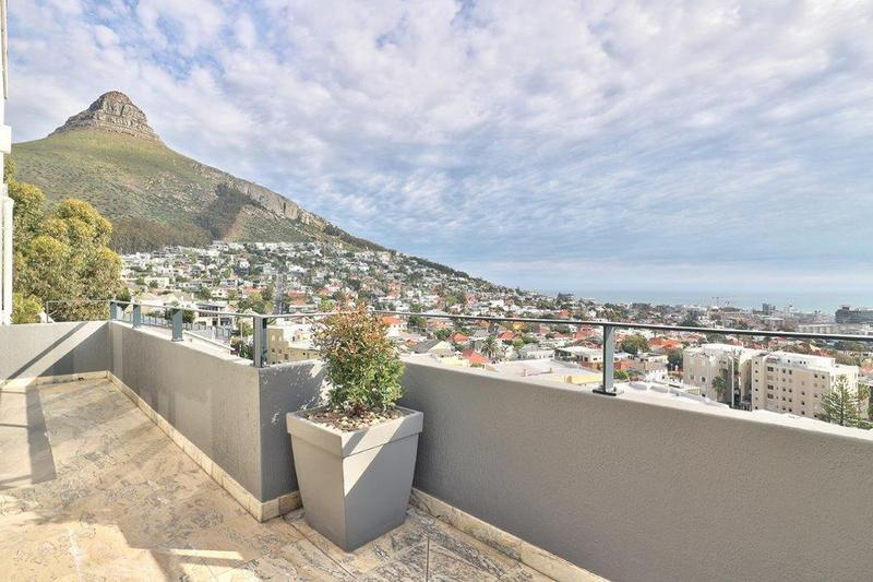 Property For Sale in Fresnaye, Cape Town 3
