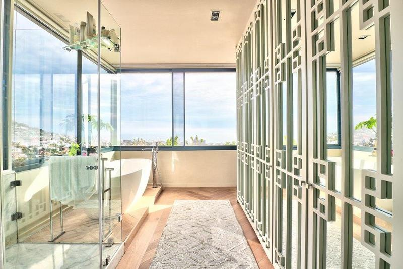 Property For Sale in Fresnaye, Cape Town 13