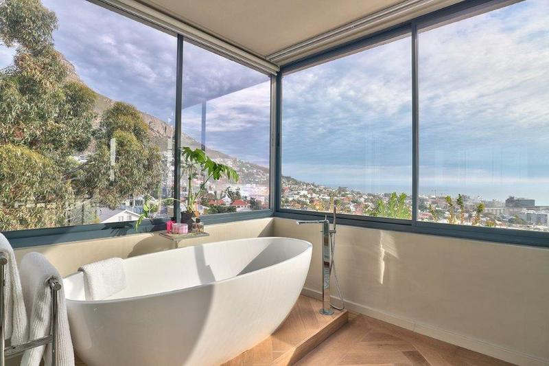 Property For Sale in Fresnaye, Cape Town 12
