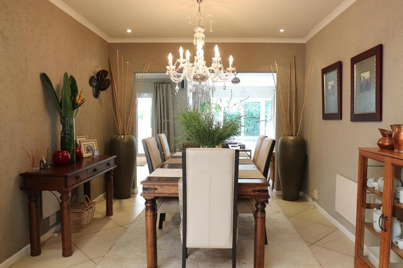 Property For Sale in Constantia, Cape Town 10