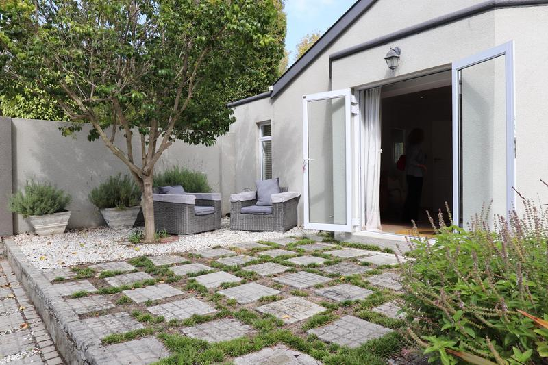 Property For Sale in Constantia, Cape Town 23