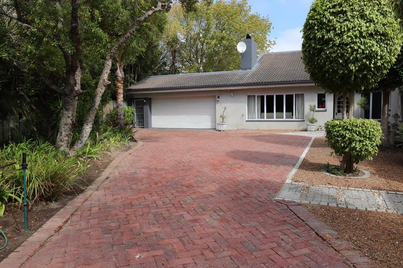 Property For Sale in Constantia, Cape Town 24