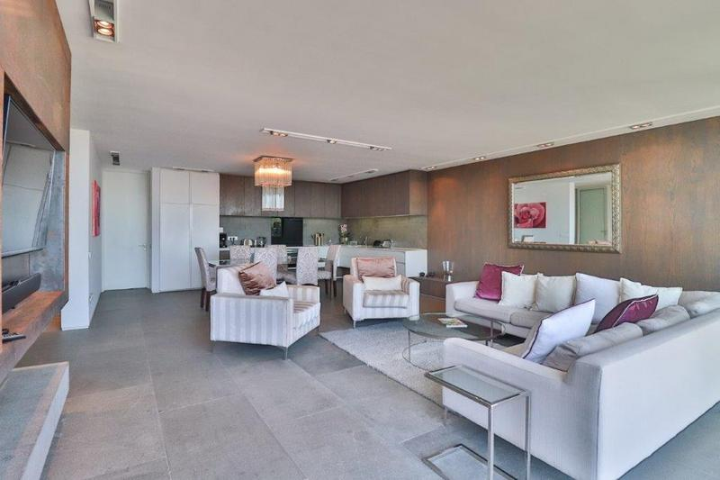 Property For Rent in Camps Bay, Cape Town 1