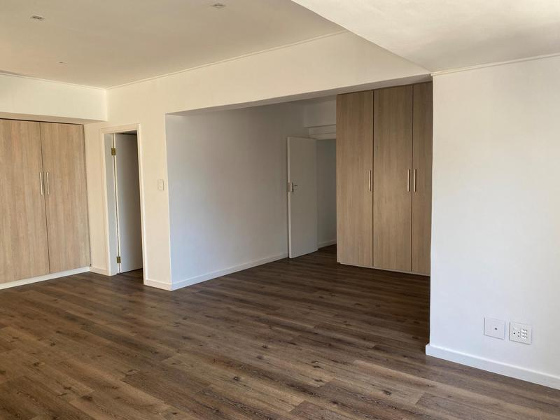 Property For Rent in Sea Point, Cape Town 11