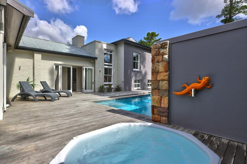 Property For Sale in Hout Bay Central, Hout Bay 16