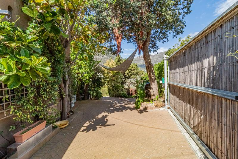 Property For Sale in Beach Estate, Hout Bay 21