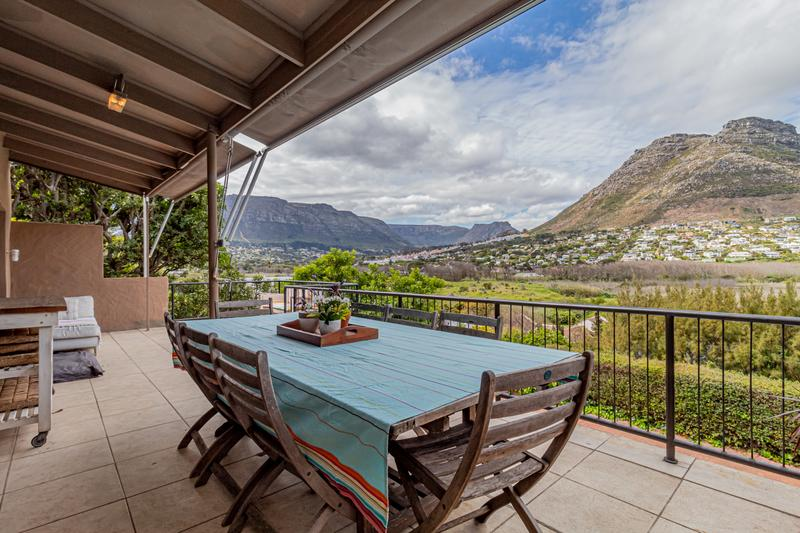 Property For Sale in Beach Estate, Hout Bay 1